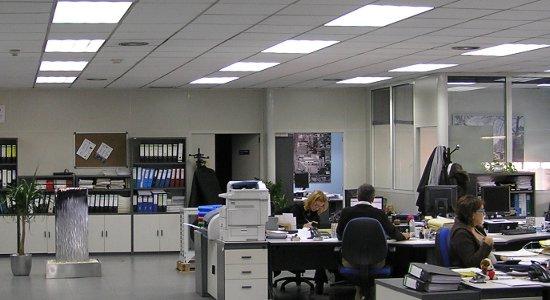 Se pueden conseguir importantes ahorros de hasta el 85% con la iluminación LED en Oficinas