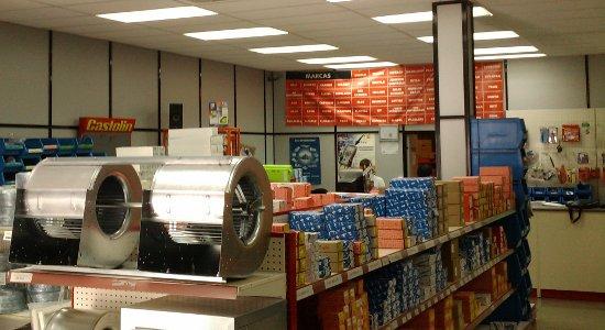 La incorporación de la iluminación LED en las oficinas revierte también ahorros energéticos indirectos de climatización
